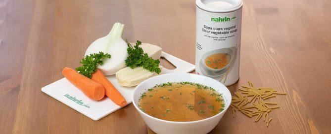 Sopa sin grasa en dietas para bajar de peso